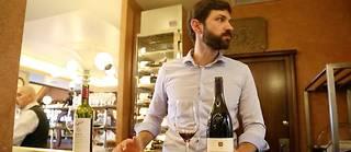 Pierre Vila Palleja est désormais sommelier et patron du restaurant Le Petit Sommelier, situé à deux pas de la tour Montparnasse, dans le 14e arrondissement de Paris. ©Pauline Tissot