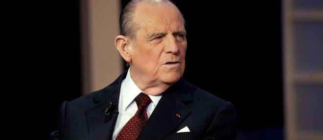 Raymond Barre en février 2004 lors de l'émission politique