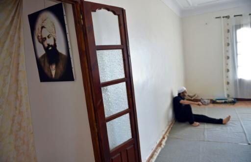"""Le culte des ahmadis est similaire à ceux des courants majoritaires de l'islam, mais ils voient dans Mirza Ghulam Ahmad le """"Messie des derniers temps"""" annoncé par le prophète Mohammed. Une hérésie pour les musulmans dogmatiques. © RYAD KRAMDI AFP"""