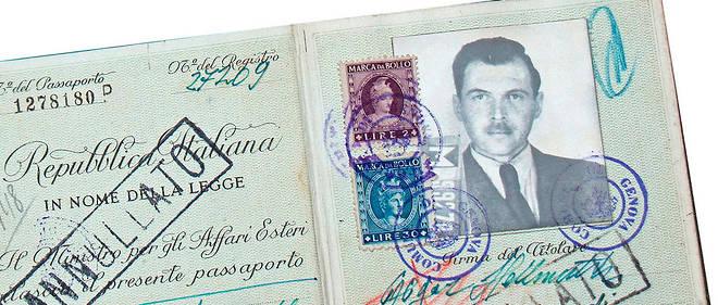 Le nazi en exil consignait sur des cahiers d'écolier notes autobiographiques, pensées, poèmes et dessins. En 2011, ces carnets ont été vendus 300000 euros.