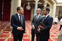 Emmanuel Macron avec Alexis Kohler, secrétaire général de l'Élysée, et Ismaël Emelien, son conseiller spécial.