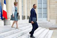 Édouard Philippe et Muriel Pénicaud, ministre du Travail, à la sortie du conseil des ministres le 30 août. ©Romain BEURRIER/REA