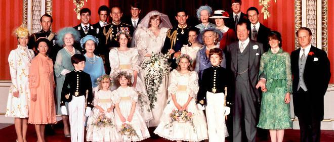 La photo officielle du mariage de Charles et Diana le 29 juillet 1981.