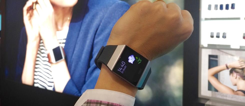 La Ionic, première montre connectée signée Fitbit.