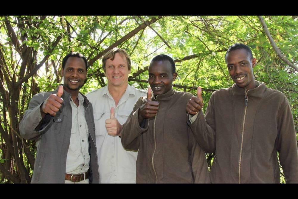 Wayne Lotter avec des collègues de la Fondation PAMS qu'il a créée.  ©  Krissie Clark