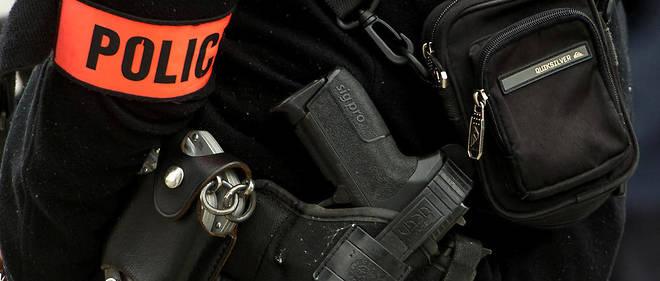 Des Sig-Sauer, les armes de service dévolues à tous les fonctionnaires, ainsi que leurs chargeurs ont disparu des locaux de la DTSP à Bobigny.