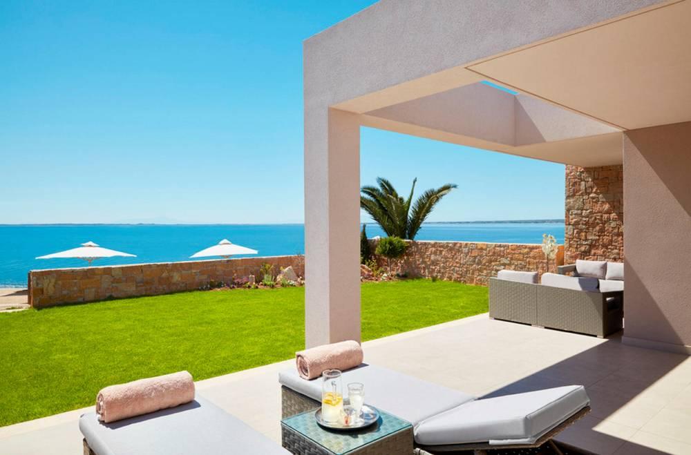 De Luxe Two bedroomsBungalow suite front de mer Olivia © Ikos ikos