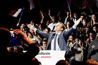 Emmanuel Macron lors du premier meeting de sa campagne présidentielle le 10 décembre 2016 au Parc des expositions à Paris. ©Hugo AYMAR/HAYTHAM-REA
