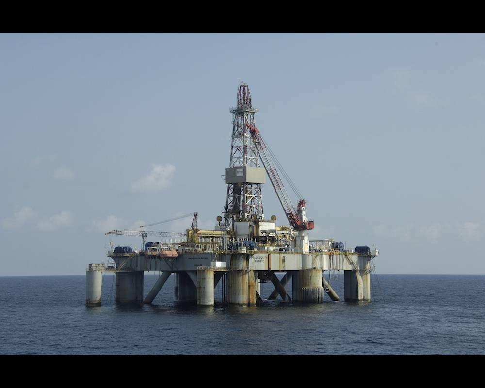Un symbole du destin pétrolier de l'Angola que cette plateforme au large de Luanda. ©  MARCEL MOCHET / AFP
