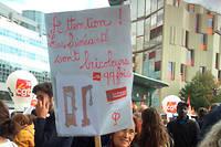À la manifestation du 12 septembre à Paris, 60 000 personnes ont défilé, selon la CGT, 24 000 selon la Préfecture de police.