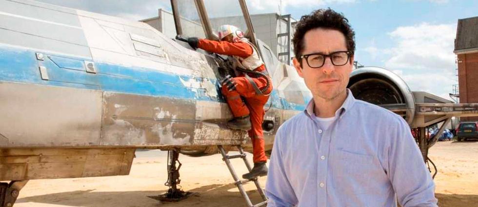 J. J. Abrams sur le tournage de Star Wars : le Réveil de la Force.