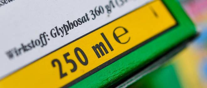 Un bidon d'herbicide contenant du glyphosate, dont la toxicité fait débat.