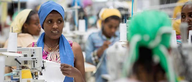 Des femmes dans une usine textile à Addis-Abeba. L'Éthiopie a fait un grand bond en avant en se positionnant comme l'un des futurs ateliers choisis par la Chine dans ses délocalisations.