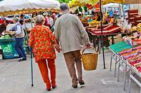 Conserver une activité physique, une vie sociale et bien se nourrir permet de retarder l'apparition des symptômes de la maladie d'Alzheimer. ©GILE MICHEL/SIPA