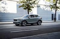 Avec 4,43 m de long, le Volvo XC40 est un SUV premium compact concurrent des Audi Q3, BMW X1 et Mercedes GLA.