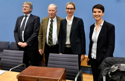 Les dirigeants de l'AfD Joerg Meuthen, Alexander Gauland, Alice Weidel et Frauke Petry avant une conférence de presse à Berlin le 25 septembre 2017 © John MACDOUGALL AFP