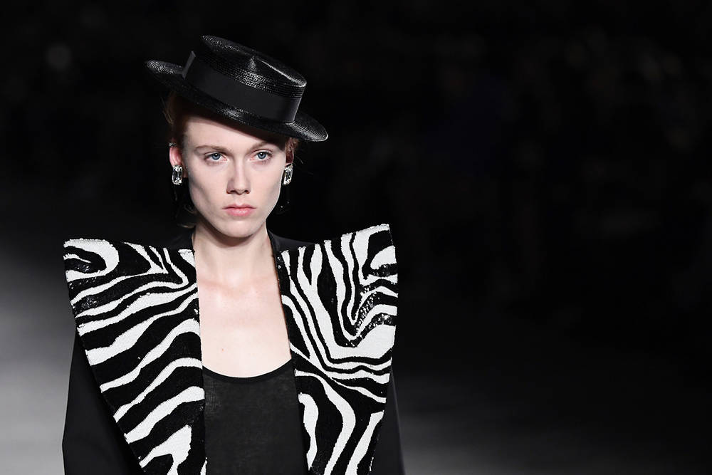 Défilé Saint Laurent Fashion Week Paris 2017