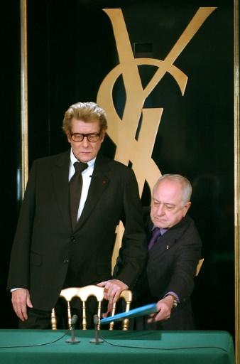 Yves Saint-Laurent et Pierre Bergé le 7 janvier 2002 © Eric Feferberg AFP/Archives