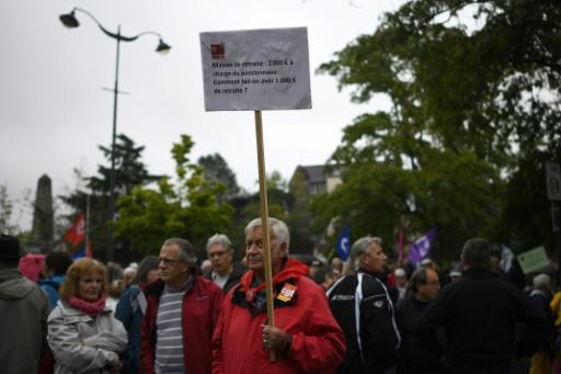 Des retraités manifestent contre la hausse de la CSG, le 28 septembre 2017 à Rennes © DAMIEN MEYER AFP