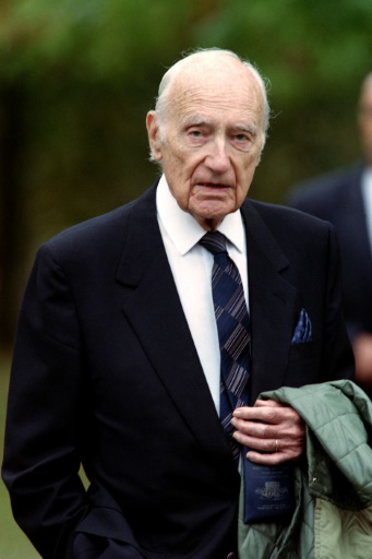 Maurice Papon le 11 octobre 1997, à Margaux, près de Bordeaux, en marge de son procès © DERRICK CEYRAC AFP/Archives