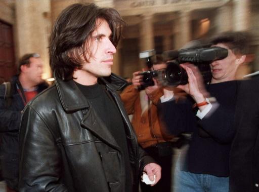 Me Arno Klarsfeld arrive au Palais de justice de Bordeaux pour participer à la 58ème audience de Maurice Papon, le 29 janvier 1998 © FRANCOIS GUILLOT AFP/Archives