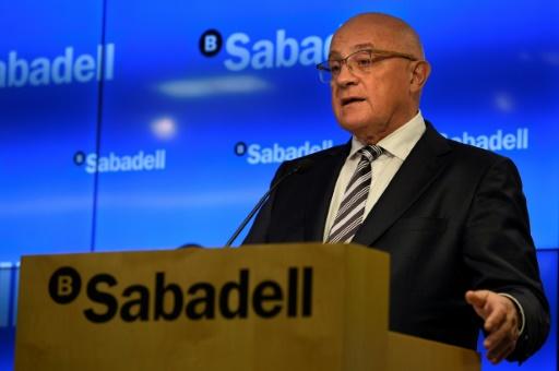 Le patron de Sabadell, Josep Oliu, lors de la présentation des derniers résultats annuels de la banque, le 27 janvier 2017 à Barcelone © LLUIS GENE AFP/Archives
