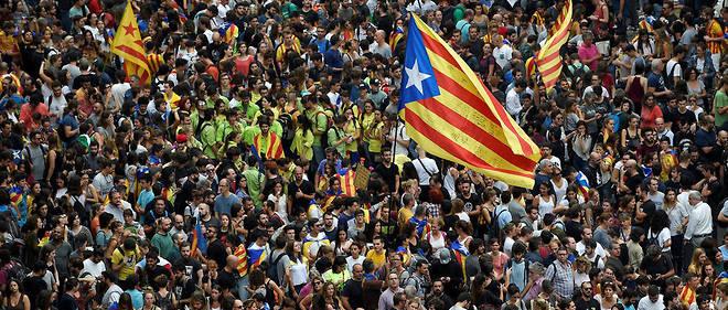 Manifestation pour l'indépendance de la Catalogne, mardi 3 octobre à Barcelone.