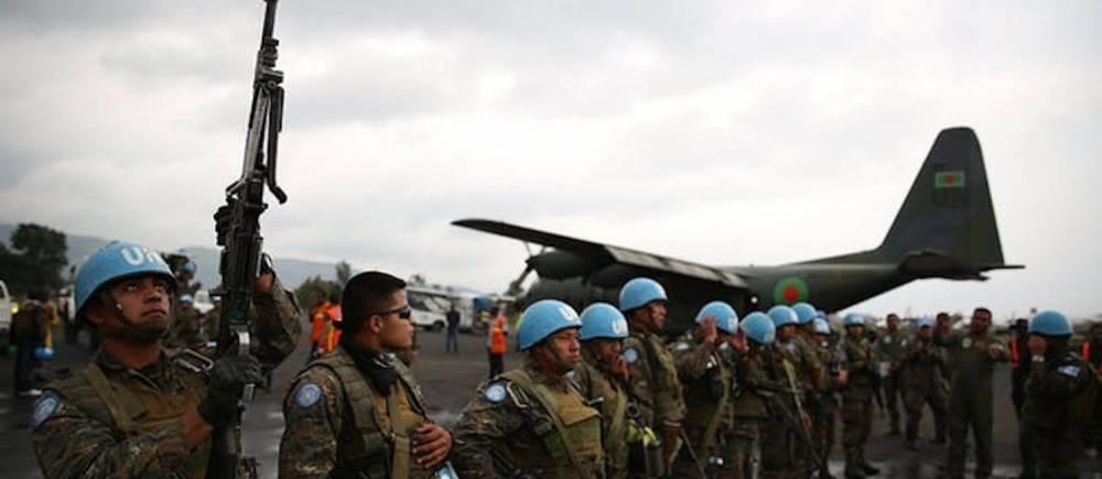 Des Casques bleus de la Mission au Congo-RDC, en partance pour la province de l'Ituri (en 2016). ©  MONUSCO/Abel Kavanagh/Flickr, CC BY-SA