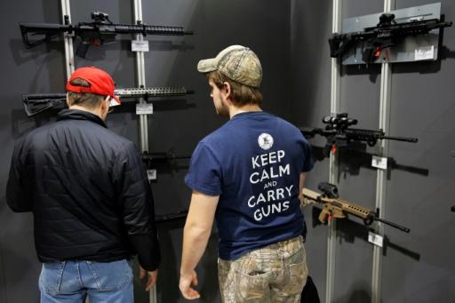 Les Américains ont une relation aux armes à feu aussi ancienne que le pays, et sans doute aussi compliquée que lui © DOMINICK REUTER AFP/Archives