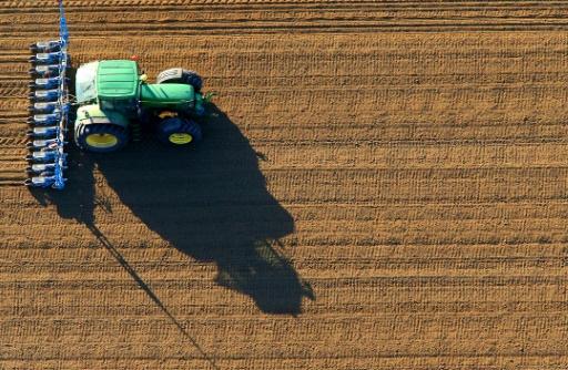 Emmanuel Macron annonce une loi pour rééquilibrer les contrats commerciaux entre agriculteurs et distributeurs © FRANCOIS NASCIMBENI AFP/Archives