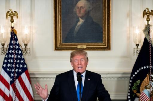 Le président Donald Trump évoque l'accord avec l'Iran le 13 octobre 2017 à la Maison-Blanche © Brendan Smialowski AFP