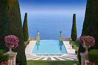 Jet set. La clientèle internationale revient sur la French Riviera. Comme à la Croix-des-Gardes, à Cannes, où fut tourné «La Main au collet» d'Alfred Hitchcock, avec Grace Kelly et Cary Grant.