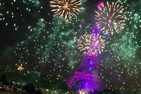 Netflix a effrayé de nombreux habitants en tirant un feu d'artifice en pleine nuit à Paris. Photo d'illustration : le feu d'artifice du 14 juillet 2015 à Paris.