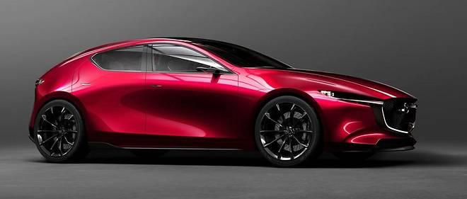 Large et bas, le concept Kai préfigure la Mazda3 attendue pour 2019 qui étrennera le moteur essence SkyActiv-X ultra-sobre.