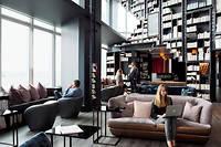 Office sweet office. Dans les salons de coworking de la Kwerk Tour First à la Défense. Bien-être et confort président à cet espace de 500mètres carrés. ©Thomas Humery