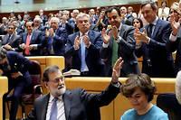 Coup de force. Après la proclamation de la «République catalane» par le parlement régional, le Premier ministre obtient du Sénat, le 27 octobre, le droit de mettre la Catalogne sous tutelle.  ©JJ GUILLEN/EFE/SIPA