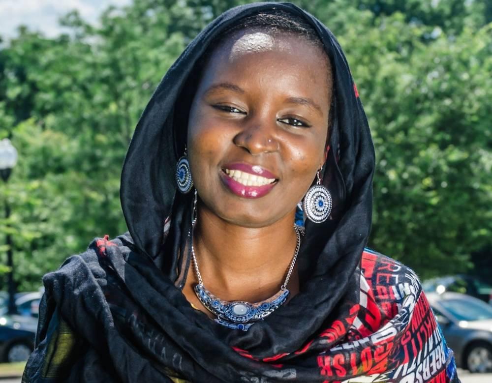 La réalisatrice nigerienne Aïcha Macky lève un voile sur son histoire personnelle dans son documentaire l'Arbre sans fruit. ©  Akosua Bonna