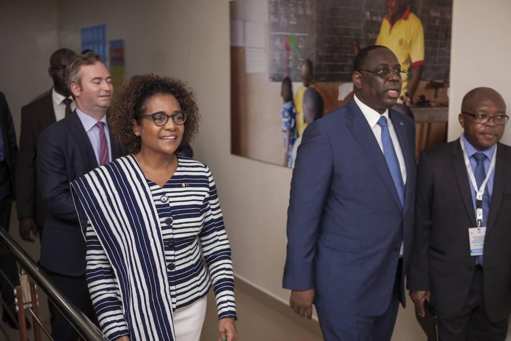 La Secrétaire générale de la Francophonie, Michaëlle Jean, et Macky Sall, président de la République du Sénégal et actuel président du Sommet des chefs d'Etat et de gouvernement de la Francophonie, ont lancé à Dakar, début octobre, l'Institut de la Francophonie pour l'éducation et la formation (IFEF). ©  Martin Dixon/OIF