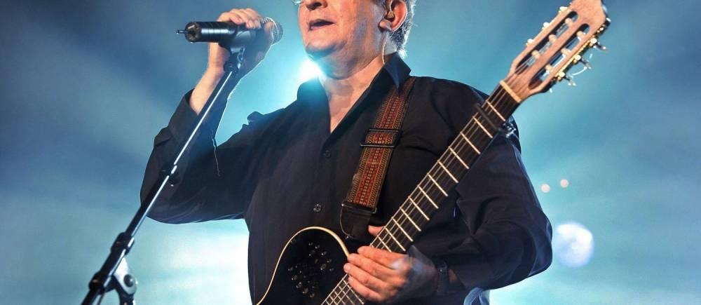 Le chanteur Idir, ici en concert à Nyon, en Suisse, le 27 juillet 2007. ©  SIPA/Salvatore Di Nolfi