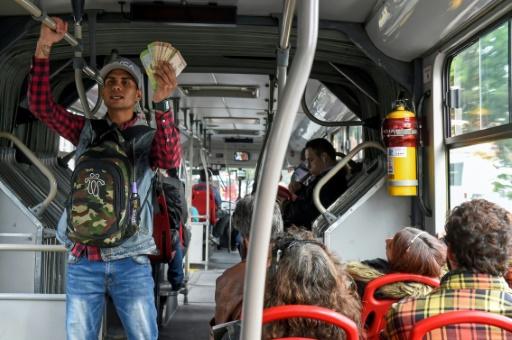 Crise politique et économique au Venezuela : près de 470 mille vénézuéliens ont quitté leur pays pour la Colombie 2