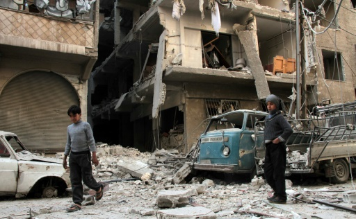 Les destructions dans la ville de Douma après des bombardements du régime syrien le 17 novembre 2017 © Hamza Al-Ajweh AFP