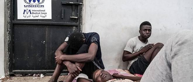 Le récent reportage de CNN montrant des migrants vendus aux enchères en Libye, largement partagé sur les réseaux sociaux, a provoqué une forte émotion.