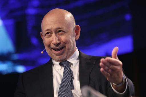Pour le patron de Goldman Sachs Lloyd Blankfein, ici le 20 septembre 2017 à New York, la banque ne choisira pas entre Paris et Francfort après le Brexit. © JOHN MOORE GETTY IMAGES NORTH AMERICA/AFP/Archives