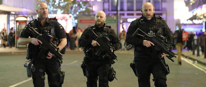 La police a été déployée dans le quartier d'Oxford street.