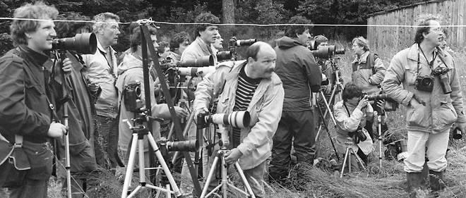 Le 20 juin 1985, des journalistes à la reconstitution de l'assassinat de Bernard Laroche par Jean-Marie Villemin. Dans cette affaire, les errements de la presse comme de l'instruction ont provoqué d'irréparables dégâts.