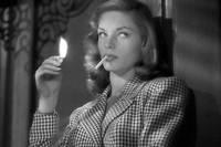 Lauren Bacall dans Le Port de l'angoisse (1944).