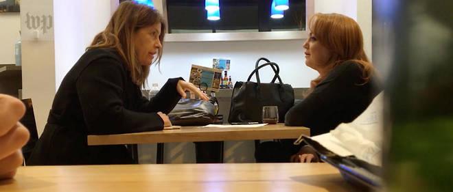 Une journaliste du «Washington Post» (à gauche) demande à l'accusatrice de confirmer ses intentions dans une vidéo publiée sur le site du journal.