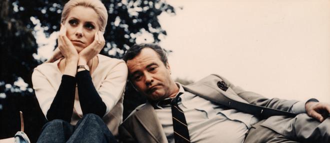 1969, sur le tournage des «Folies d'avril», Catherine Deneuve est pensive. Au poignet de la jolie jeune femme? Une Baignoire en or!