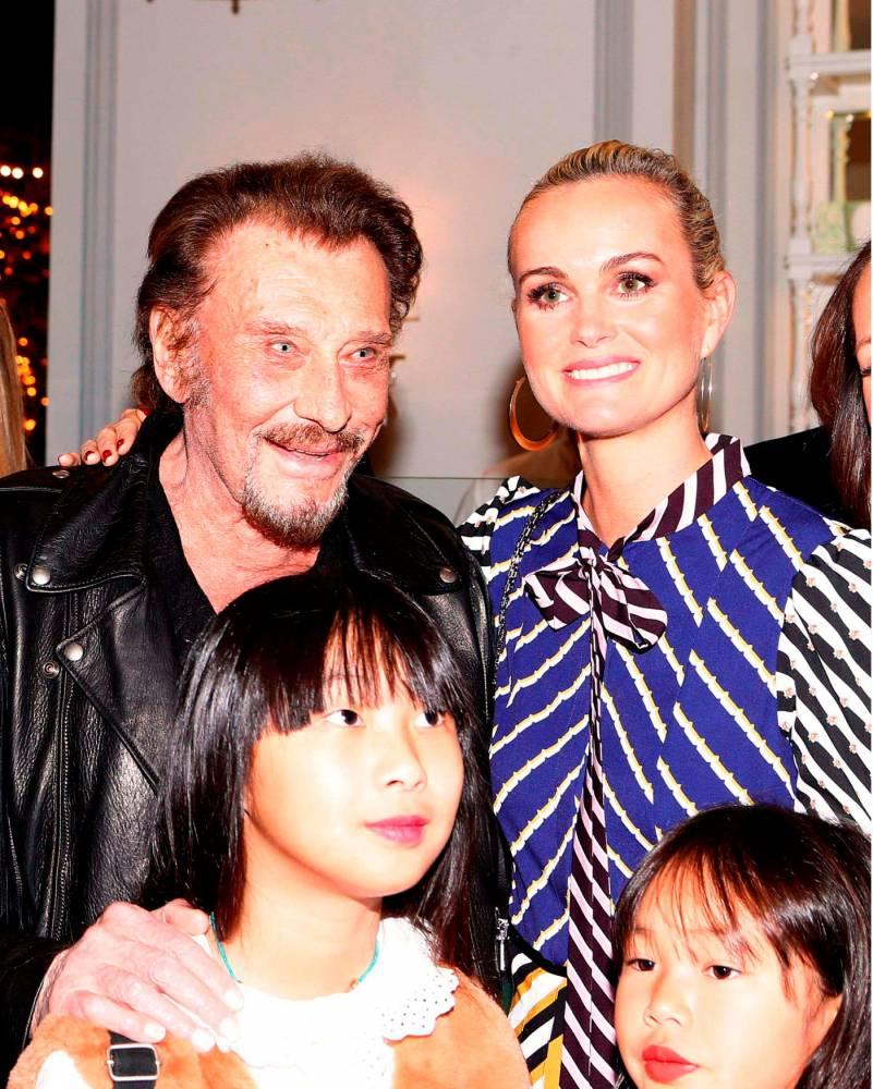 Laeticia, Johnny et leurs deux filles ©  Katie Jones/WWD/Shutter/SIPA