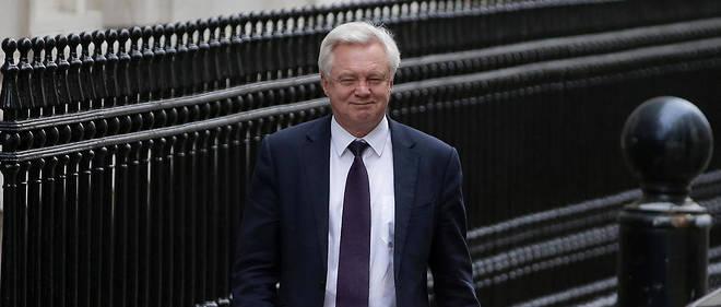 Selon le ministre britannique chargé du Brexit, David Davis, Londres ne paiera pas la facture du Brexit avant d'avoir signé un accord commercial avec l'UE.